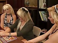 Zealous curvy Holly Sampson invites two more blondies for lesbian sex