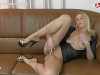 MyDirtyHobby - German MILF live anal cam show with double penetration toy